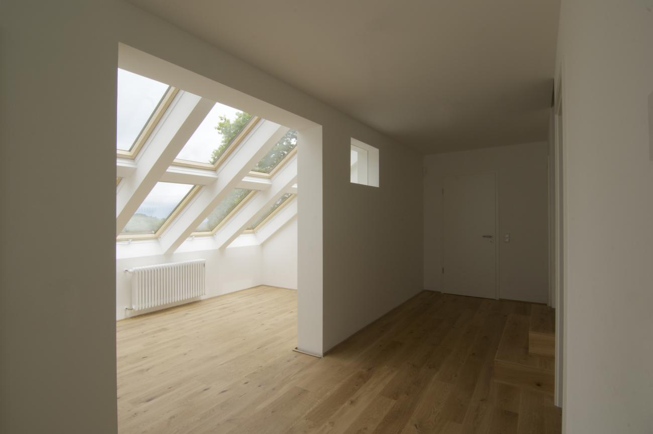 roof windows provide the appropriate lighting for the expanded rooms
